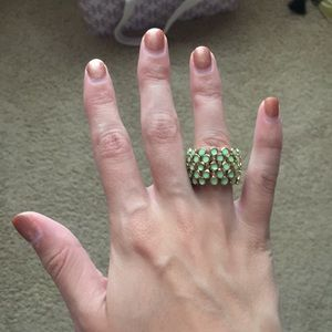 Bright green and gold stretchable ring